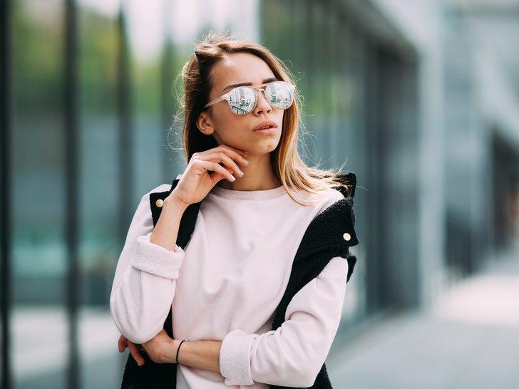 Bagaimana Memilih Kacamata Hitam yang Sesuai dengan Wajah