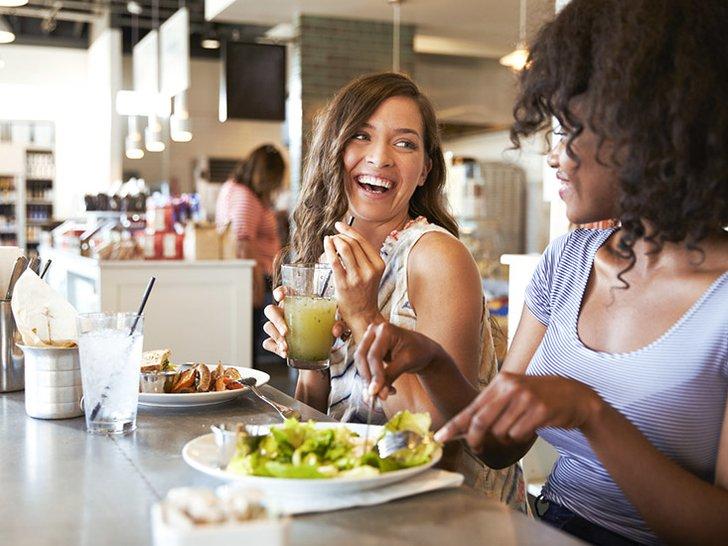 Makan Buah: Lebih Tepat Sebelum atau Sesudah Nasi? Ahli Gizi Ini Menjawab