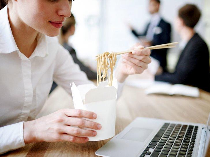 Lapar Lagi 15 Menit Setelah Sarapan? Bisa Jadi Itu Hanya Pikiranmu Saja