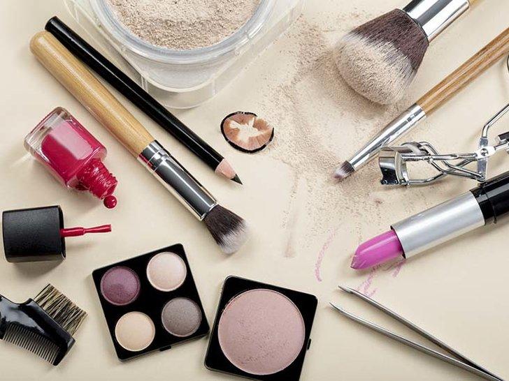 Sebenarnya, Adakah Kosmetik yang Tidak Kita Butuhkan?