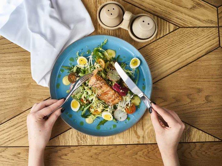 Konsumsi 5 Makanan Ini untuk Mencegah Kerutan Datang Terlalu Cepat