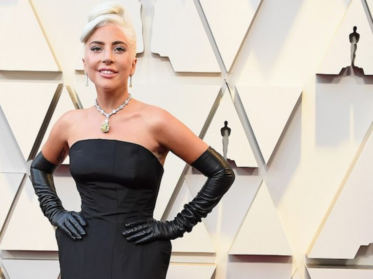 Hot News! Lady Gaga Pakai Aksesoris Karya Desainer Indonesia