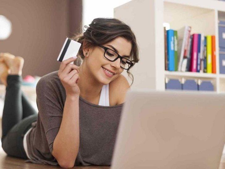 5 Kesalahan Pakai Kartu Kredit yang Sering Dilakukan Perempuan