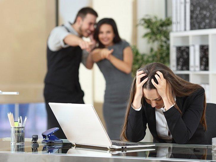 Apa yang Harus Dilakukan Saat Jadi Korban Bully di Kantor?