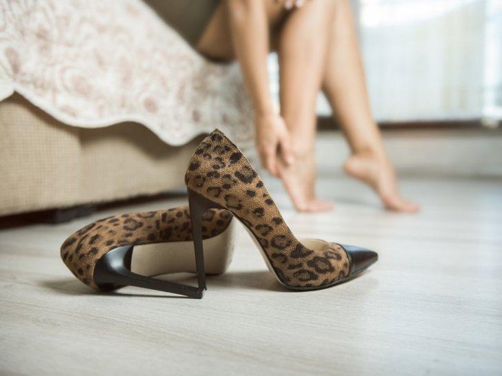 Ini yang Mungkin Terjadi Saat Kamu Menjauhi High Heels