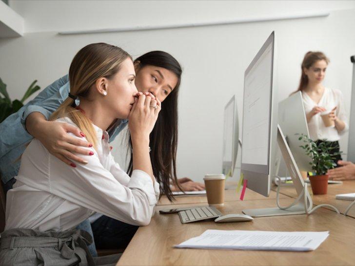 Riset: Duh, 47% Perempuan Alami Body Shaming di Kantor