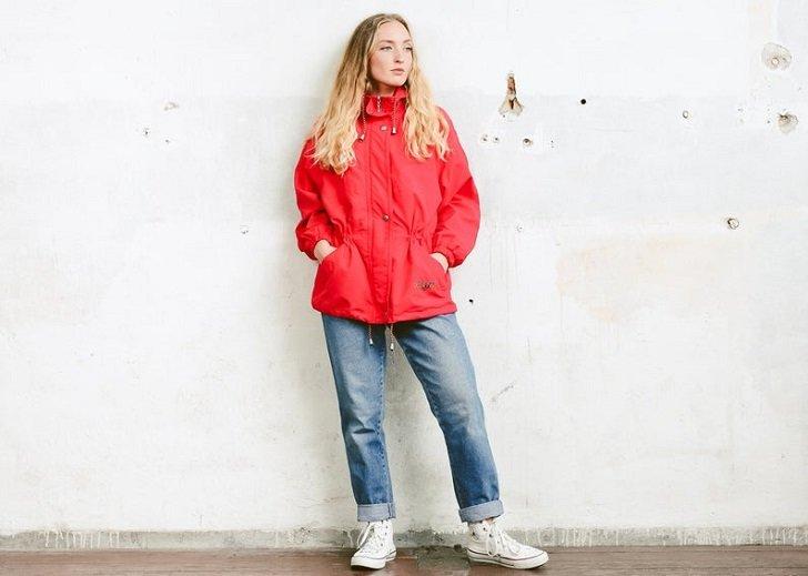 4 Jaket yang Cocok Dipakai Saat Musim Panas