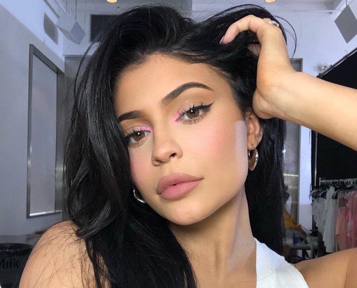 Curhat Kebingungan Kylie Jenner di Instagram