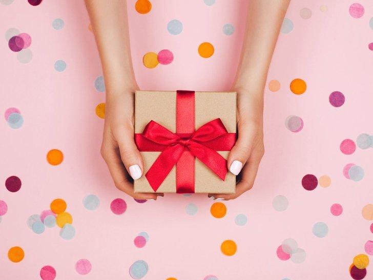 12 Rekomendasi Hadiah Ulang Tahun Untuk Istri