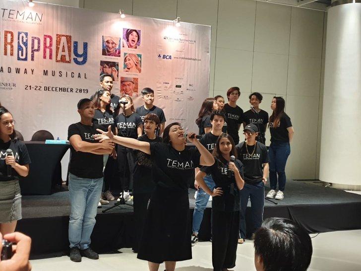 Hairspray, Pertunjukan Broadway Bertaraf Internasional TEMAN