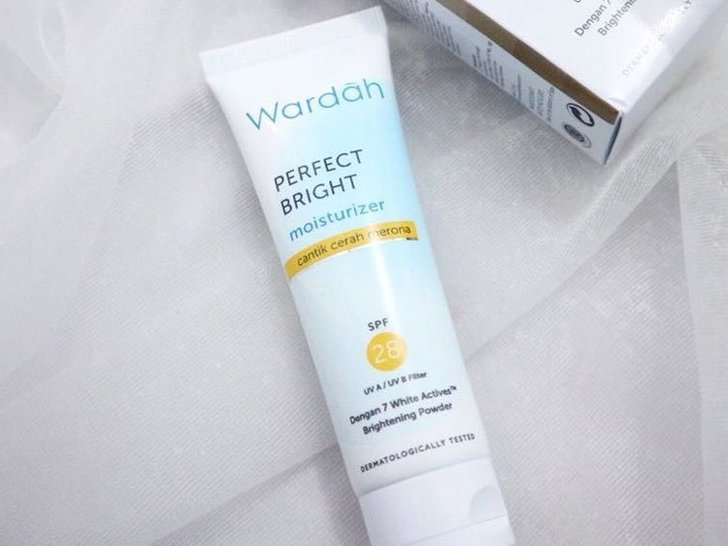 In-Depth Review Wardah Perfect Bright Moisturizer