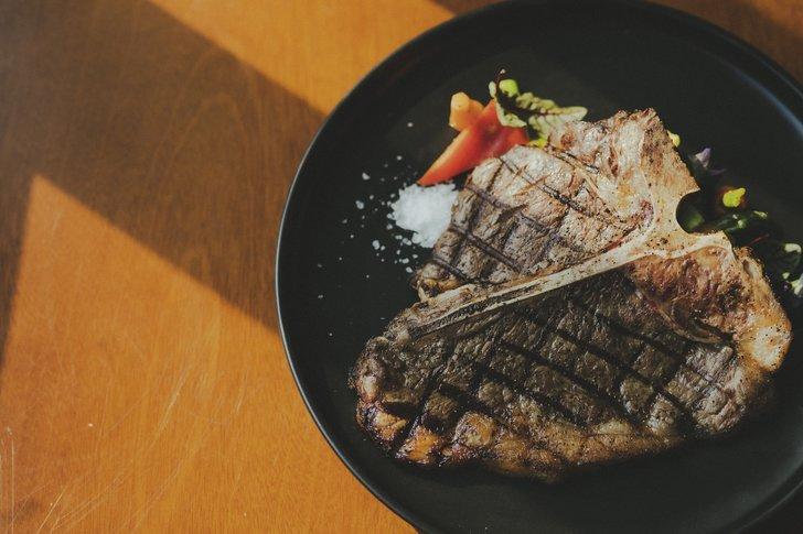 5 Rekomendasi Restoran Steak Terenak di Jakarta